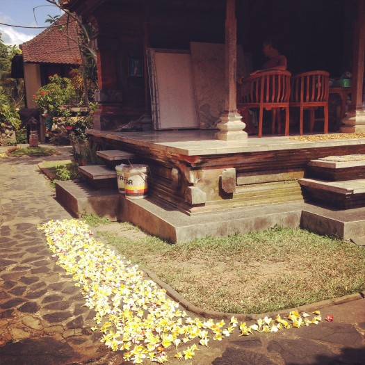 A family home in the courtyard of Jati Home Stay