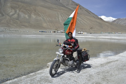 Ashok during his Ladakh road trip (Image courtesy http://ashokmunne.blogspot.in)