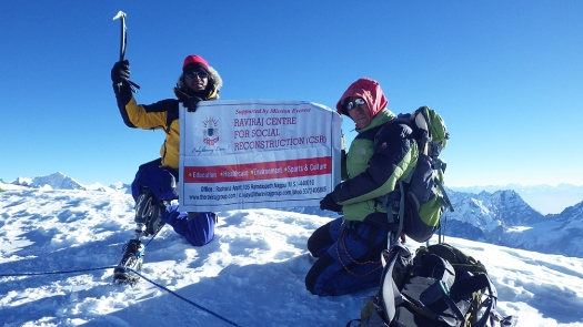 Ashok Munne atop Mera Peak in Nepal (Image courtesy http://ashokmunne.blogspot.in)